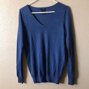 EUC Ann Taylor sweater women's size M